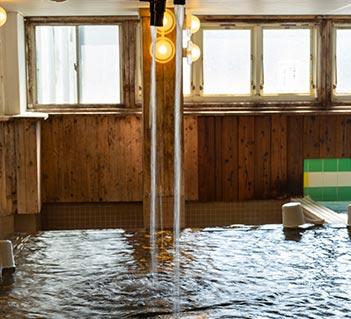 抗酸化力の高い「神戸ウォーター六甲布引の水」に浸る日本初!の水風呂